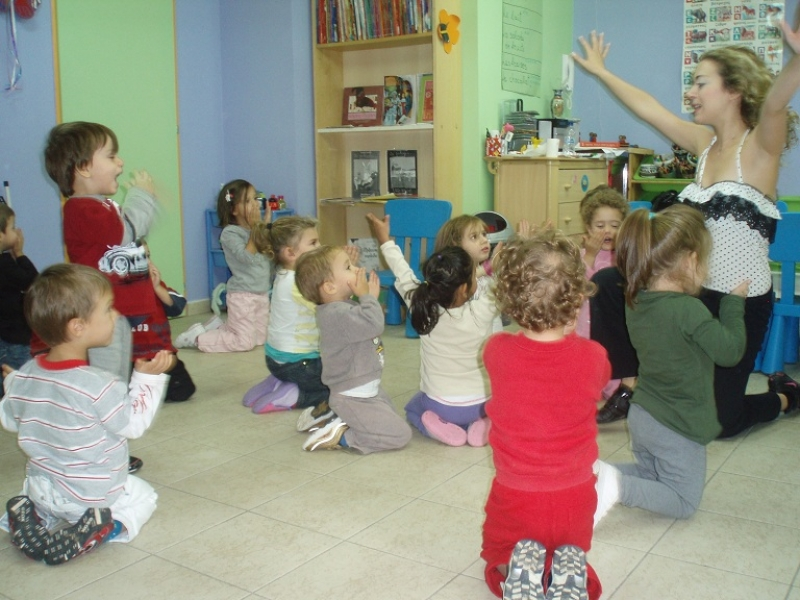 Μουσική και χορός στον Παιδικό και βρεφικό σταθμό στην Ραφήνα και την  Παιανία ... 6409b5af617