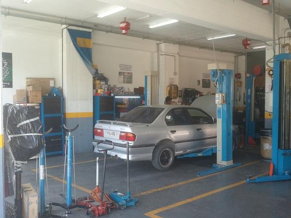 Γενικό service αυτοκινήτων στην Αρτέμιδα