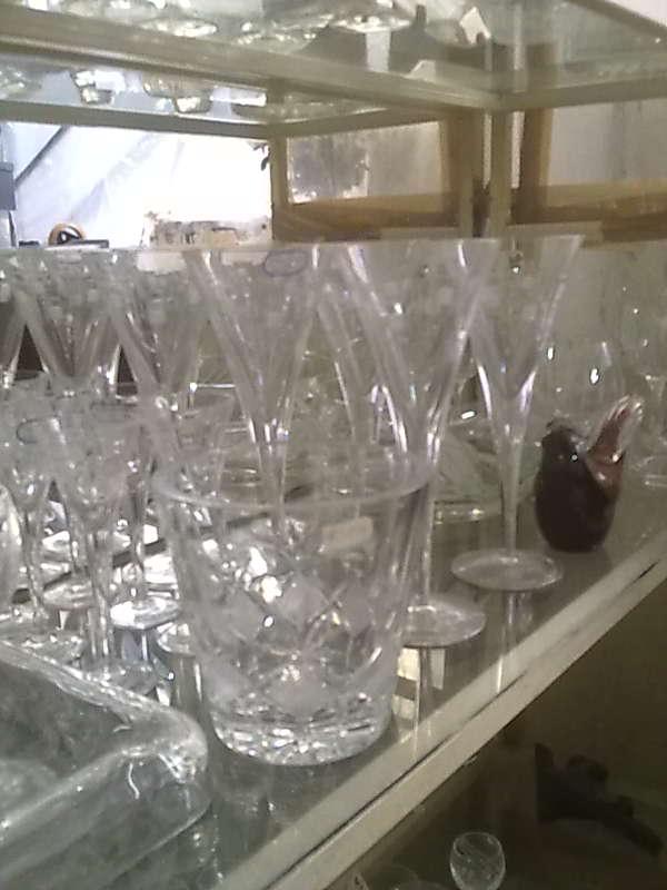 επεξεργασια κρυσταλλινων ποτηριων κρυσταλλινα ποτηρια κρυσταλλινα βαζα κρυσταλλινες φρουτιερες καλλιθεα νεα σμυρνη κουκακι ταυρο νεο φαληρο μοσχατο παλαιο φαληρο