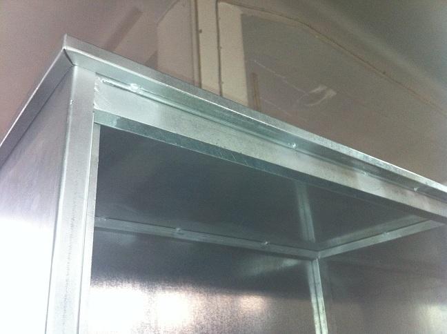 λεπτομέρεια οροφής ντουλάπας