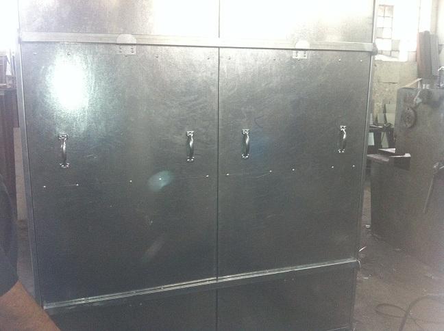 Μεταλλικές ντουλάπες στη Ν. Ιωνία. Μεταλλικές κατασκευές ντουλάπας με ειδικές μπάρες αασφαλείας