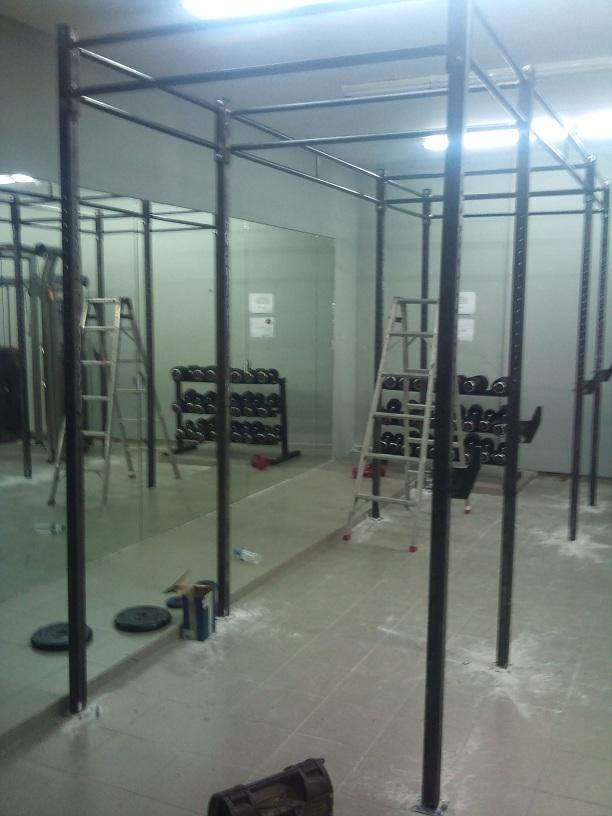 ειδική κατασκευή μονόζυγου - μπάρες για γυμναστήριο
