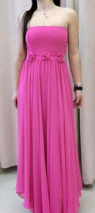 7be34e476304 Επιλέξτε μεταξύ ενός νυφικού με ουρά ή ένα κοντό νυφικό φόρεμα. Roula Νυφικά  στη Νέα Ιωνία.