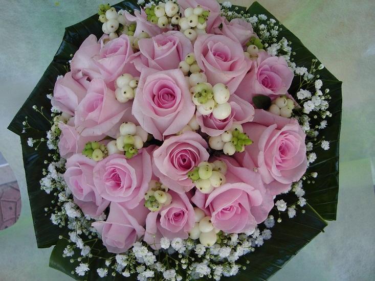 Ανθοσυνθέσεις, μπουκέτα, άνθη, ανθοδέσμες, φυτά εσωτερικού και εξωτερικού χώρου, καλάθια, κασπώ στο ανθοπωλείο Δημήτρης FLOWER CENTER στη Λυκόβρυση