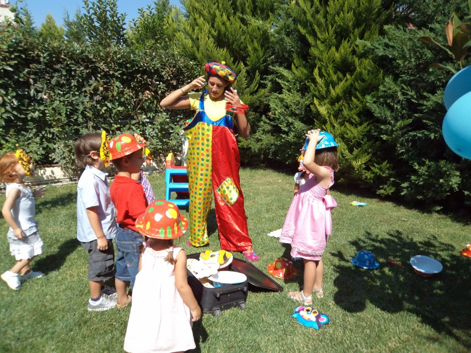 Κλόουν, ανιματέρ σε παιδικά πάρτι Βριλήσσια, Γέρακας, Παλλήνη