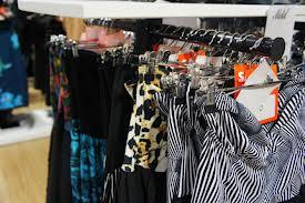 Vintage Outlet Ρούχα με το κιλό Γέρακας σε Γέρακας - Φωτογραφίες ... 0982fb42dc7