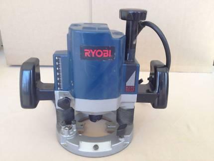 RYOBI ROUTER 1600WATT