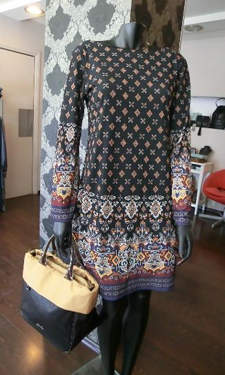 ... Φορέματα -τσάντες Axel στα Μελίσσια Πεντέλη Βριλήσσια. Ρούχα παπούτσια  τσάντες Axel στα Μελίσσια Μαρούσι Πεντέλη ... 20d92ebef2f