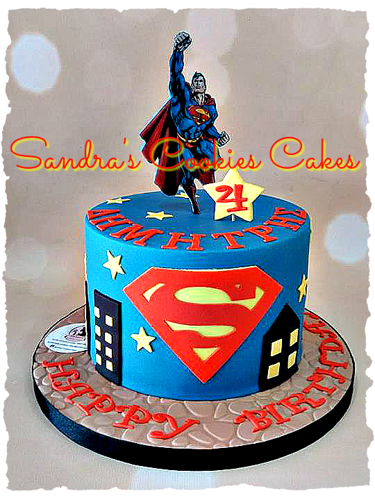 Superman cake Τούρτα ζαχαρόπαστα