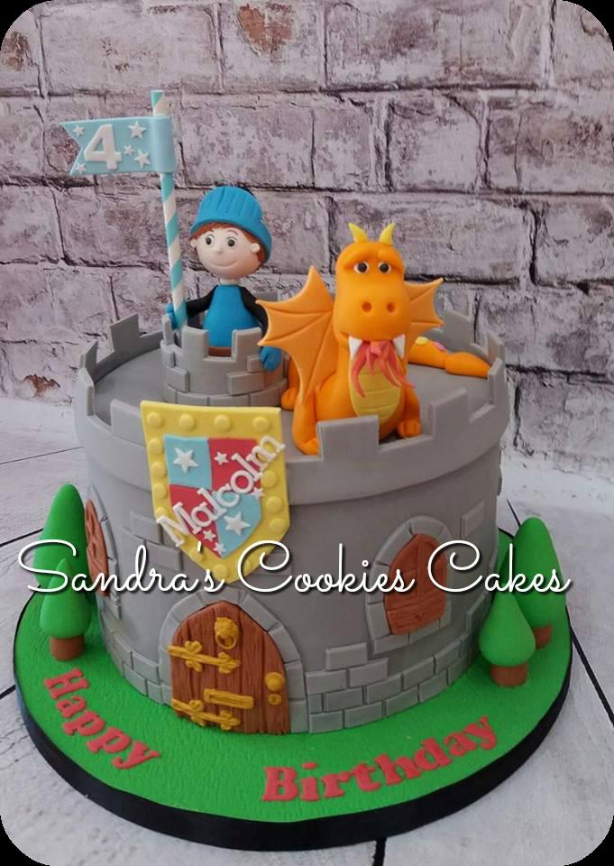 Dragon castle cake Τούρτα ζαχαρόπαστα
