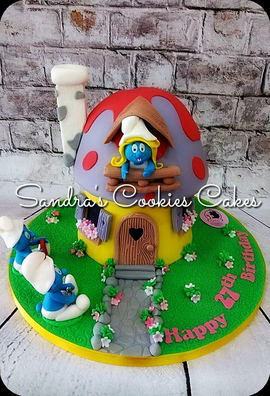 Smurf house cake  Τούρτα ζαχαρόπαστα