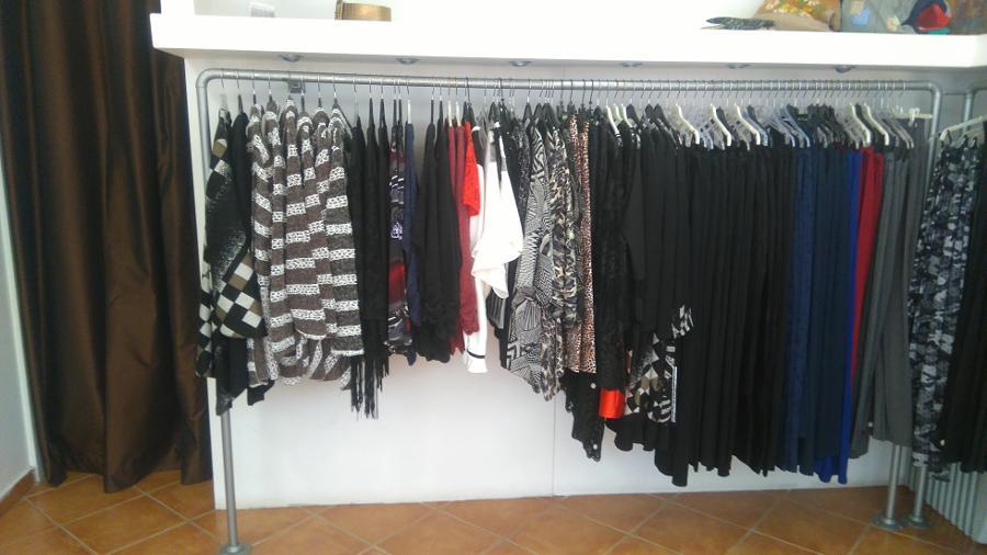 3bae8b841f87 ... Γυναικεία ρούχα Βριλήσσια, Φούστα Ιταλική relish. κατάστημα γυναικείων  ρούχων Βριλήσσια, Χειμερινή κολεξιόν 2017