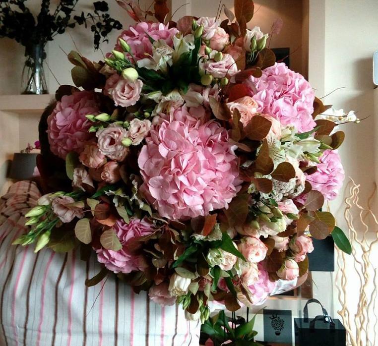 550f25d8f813 ... Λουλούδια Βόρεια Προάστια