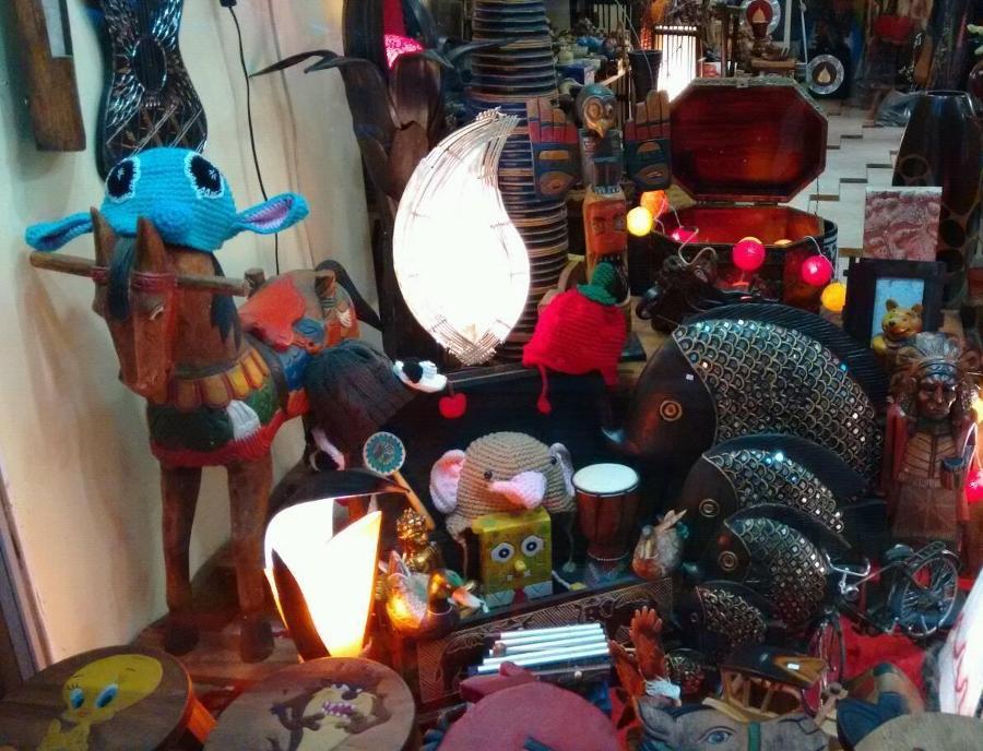 Είδη δώρων Παγκράτι, διακοσμητικά είδη Παγκράτι, ethnic χειροποίητα είδη Παγκράτι, διακοσμητικά feng shui Παγκράτι, ινδιάνικα χειροποίητα είδη Παγκράτι, χειροποίητες μάσκες Πραγκράτι, ξύλινα μουρικά όργανα Παγκράτι, βούδες Παγκράτι, ονειροπαγίδες Παγκράτι
