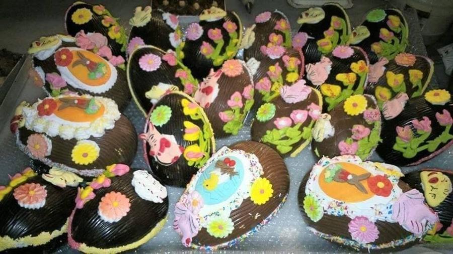 Πασχαλινά γλυκά Κερατέα, τσουρέκια Κερατέα, σοκολατένια αυγά Κερατέα, τσουρέκια Μεσόγεια, τσουρέκια Ανατολική Αττική