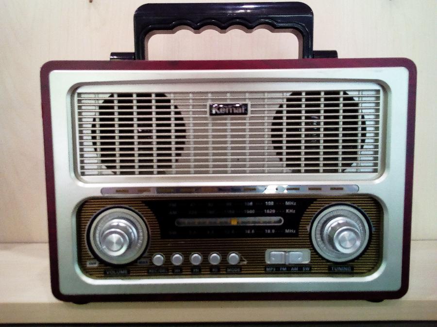 Vintage ραδιοφωνο Παγκράτι-Θυρα USB-Υποδοχη καρτας SD