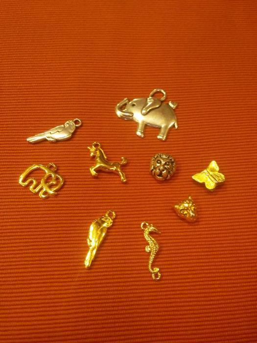 Εποχιακά είδη Κερατσίνι, Χειροποίητα κοσμήματα Κερατσίνι, Φυλαχτά Κερατσίνι, Υλικά για κοσμήματα Κερατσίνι