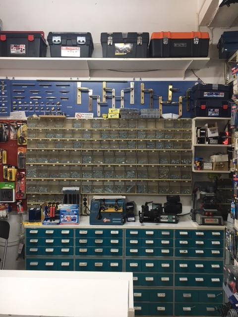 Μονωτικά υλικά isomat Ίλιον, Μονωτικά υλικά Ίλιον, Αντιγραφή κλειδιών Ίλιον, χρώματα κιμωλίας Ίλιον, Κόλλες πλακιδίων Ίλιον