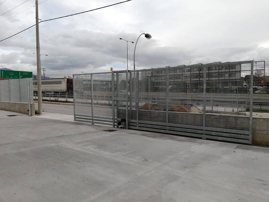 Βιομηχανικές Πόρτες Σιδήρου, Ρολά ασφαλείας χονδρική ΡΟΛΑ ΜΕΝΟΥΝΟΣ Α & Σ Περιστέρι