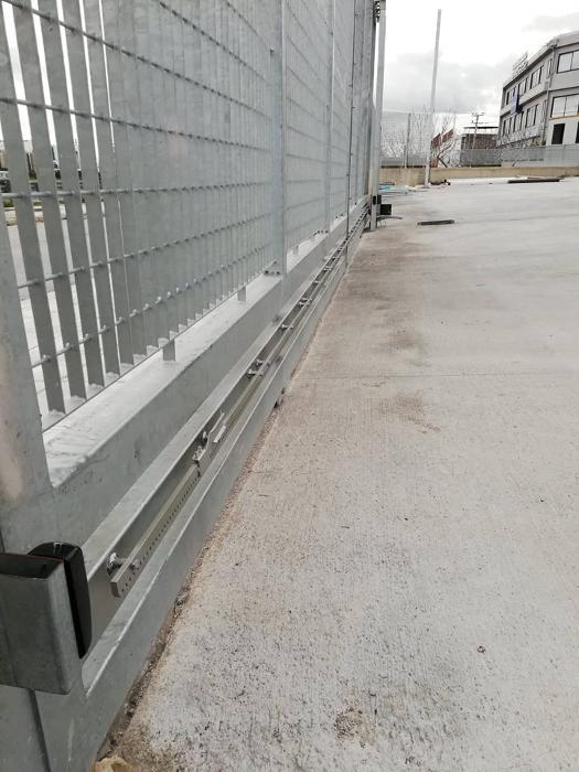 Μηχανισμοί για συρόμενες πόρτες ΡΟΛΑ ΑΣΦΑΛΕΙΑΣ ΜΕΝΟΥΝΟΣ Α & Σ Περιστέρι