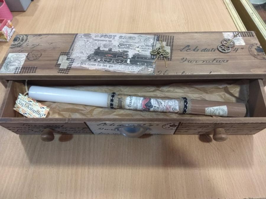 vintage λαμπάδα σε κουτί