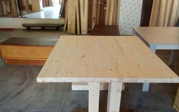 Πορτάκια, πάγκοι κουζίνας. Κόβουμε ξυλεία στις διαστάσεις που θέλετε. Σύγχρονα μηχανήματα κοπής για τέλεια αποτελέσματα.
